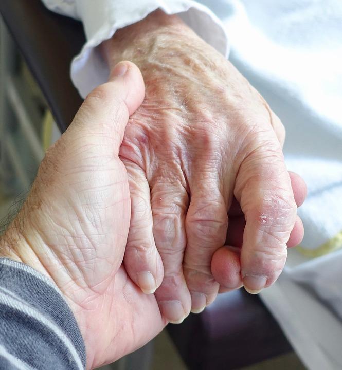 3 avantages d'utiliser un traceur gps Alzheimer