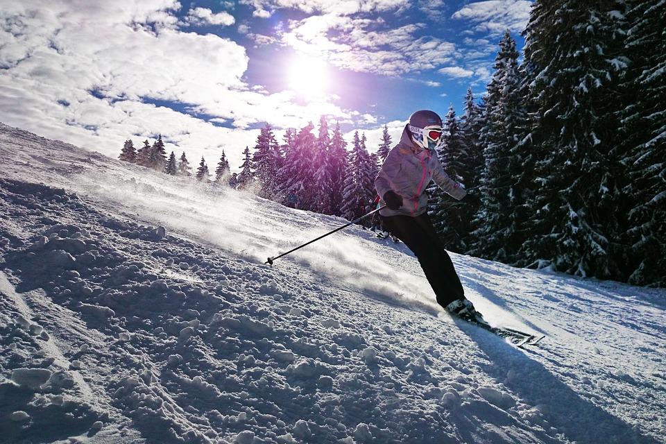 Fasciner par le sport d'hiver? Quoi de mieux que le ski